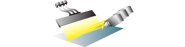 ラインライトガイドと集光レンズを使用して高輝度・高均一に照射可能。